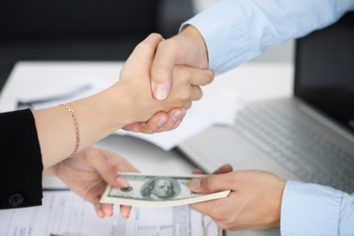 confidentiality-is-critical-for-quick-cash-loans-in-new-zealand-710x473